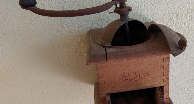 Molinillo café antiguo
