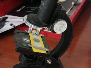 Microscopio de juguete